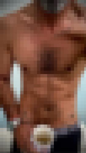 Photo from Moimoi34 into I show my torso