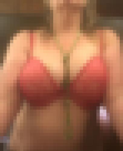 Photo de Fleure la Coquine dans Je montre mes sous-vêtements