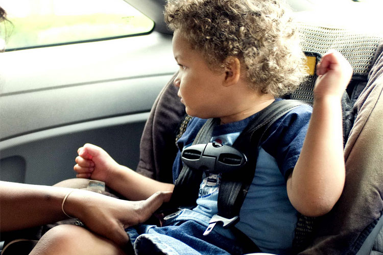 installer siège auto pivotant