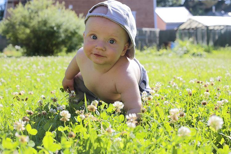 avantages trotteur bébé