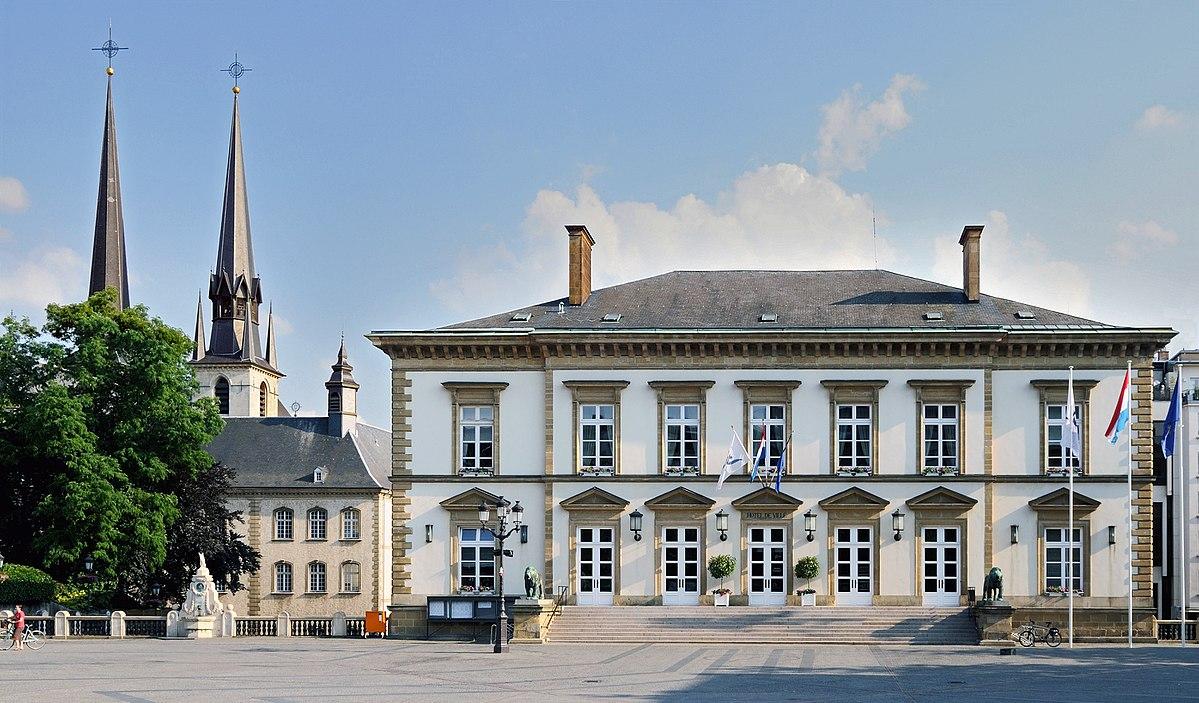 1200px-Luxemb_City_Hotel_de_ville_01
