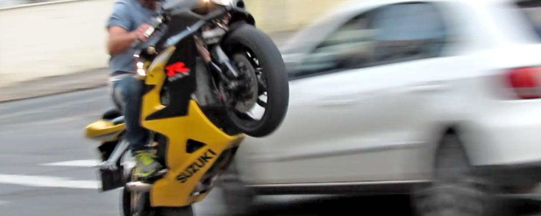 Acrobazie in moto
