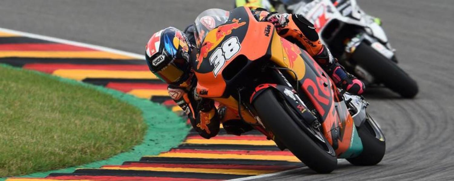 MOTOGP SACHSENRING: EYE TO FLYING CANS!