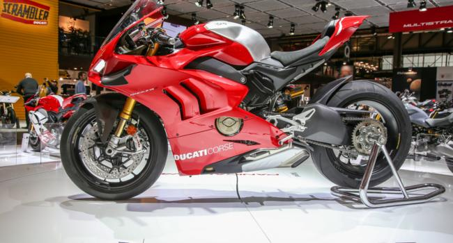 """Ducati Panigale V4 R protagonist and candidate to the scepter of """"queen of EICMA2018"""""""