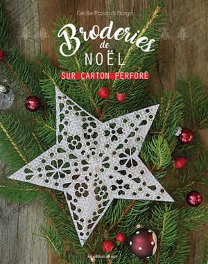 Broderies de Noël en carton perforé