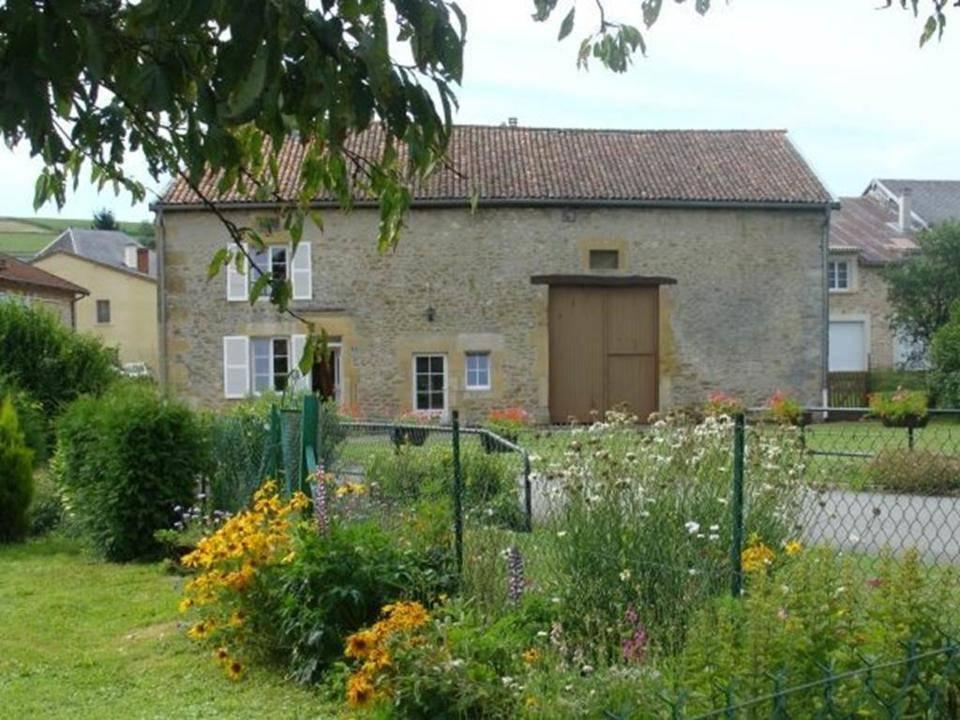 """Gîte """"Le Saussois"""", Ferme rénovée à 1h de Charleville-Mézières et Verdun, visites à la ferme - Tailly - Ardennes"""