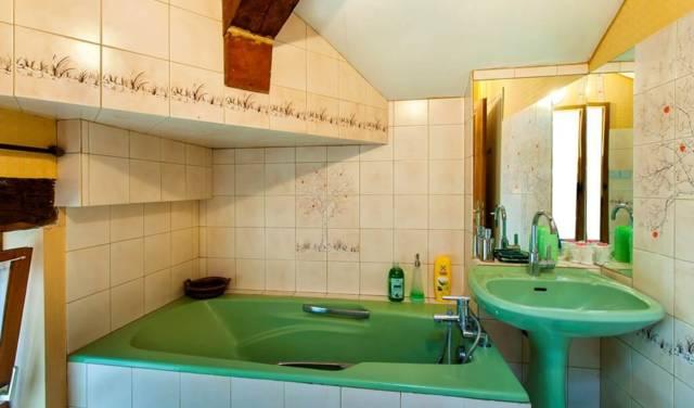 12 Salle bain 2me suite coté rue