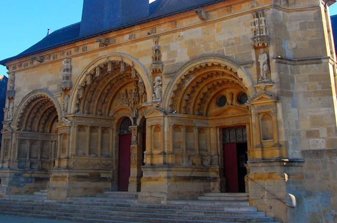 Vouziers_Patrimoine_Saint-Maurille.jpg