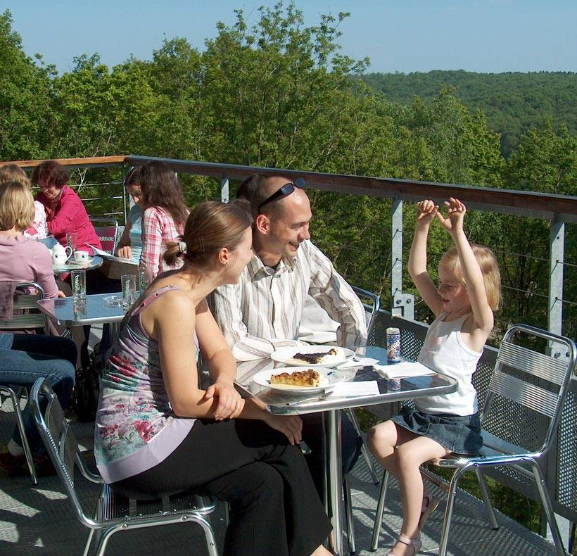PAD_restaurant_famille_terrasse.jpg