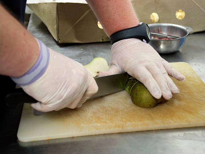 PAD_actu_soigneurs_cuisine_preparation_repas_animaux-3.jpg