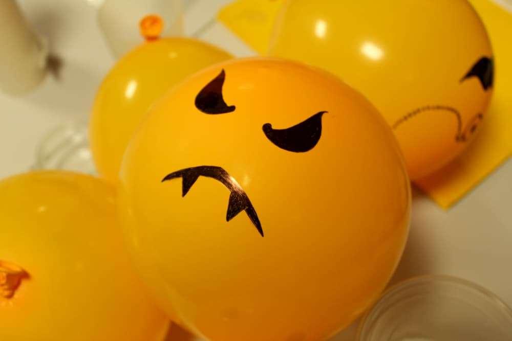 PAD_halloween_déco_ballon_orange_monstre.jpg