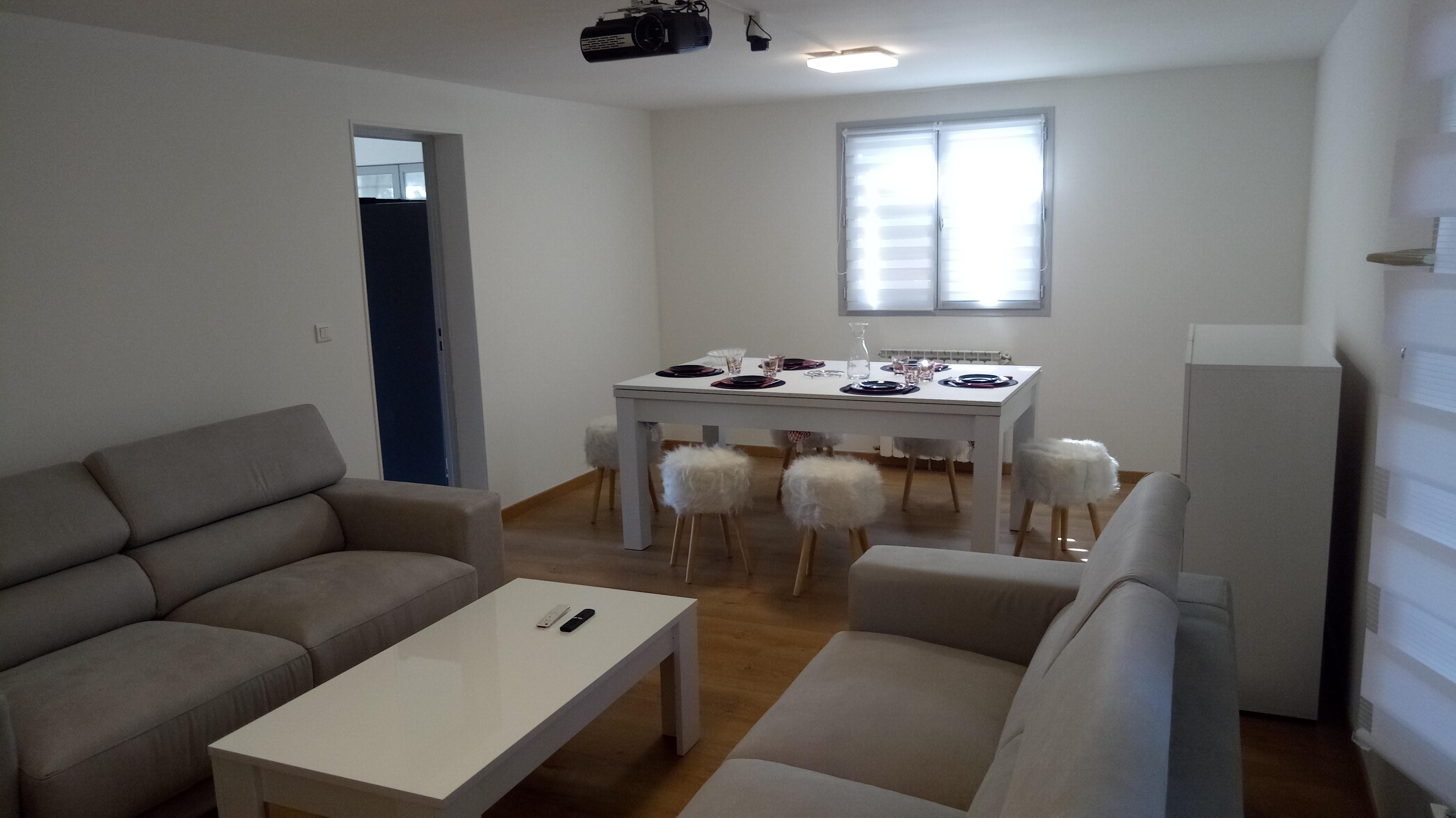 Chambre-Colocation   & Location Chambre à louer   | Loue chambre meublée   | Logement