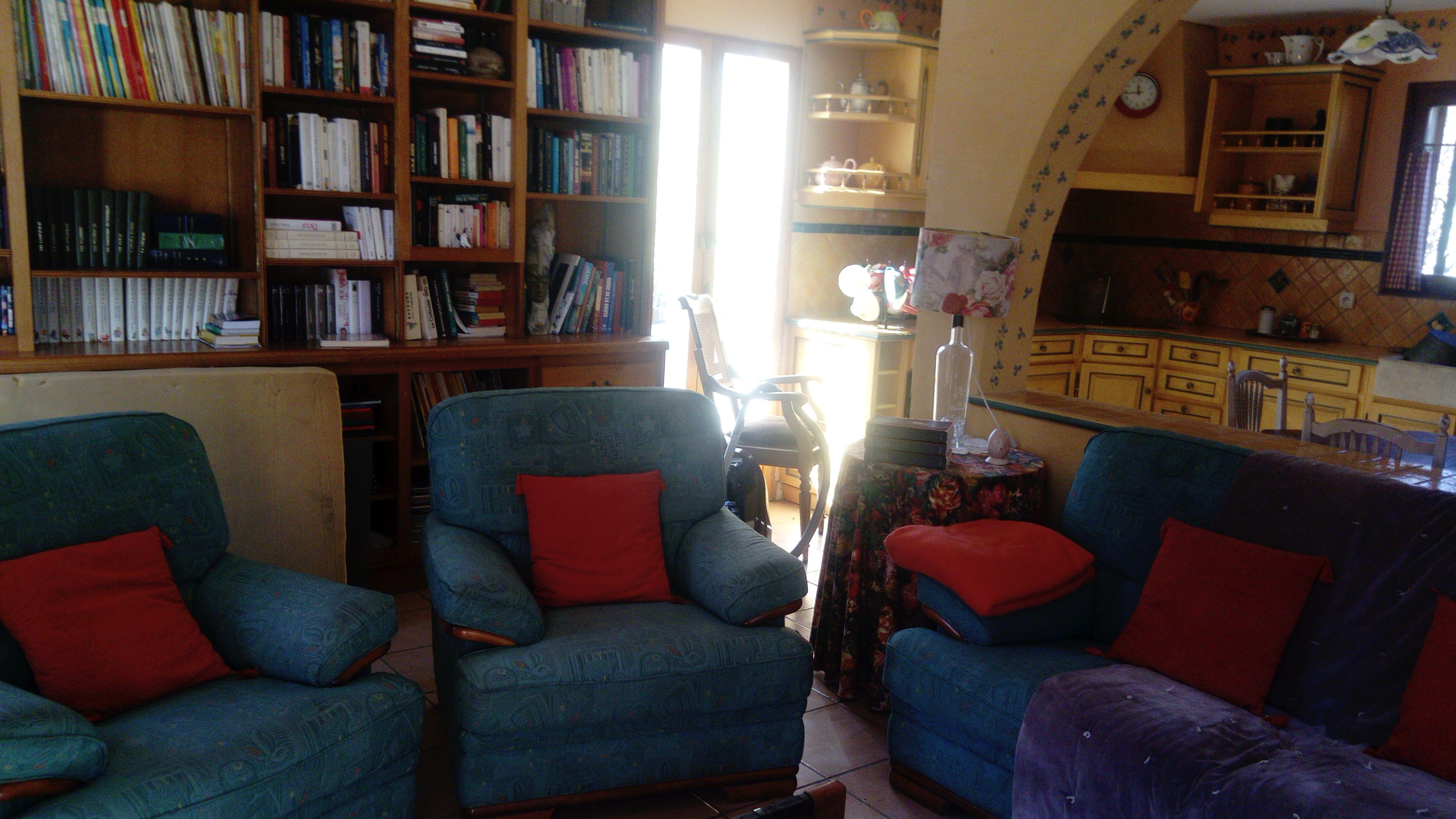 Colocation Apt FEMME & Location Chambre à louer Apt FEMME | Loue chambre meublée Apt FEMME | Logement Apt FEMME