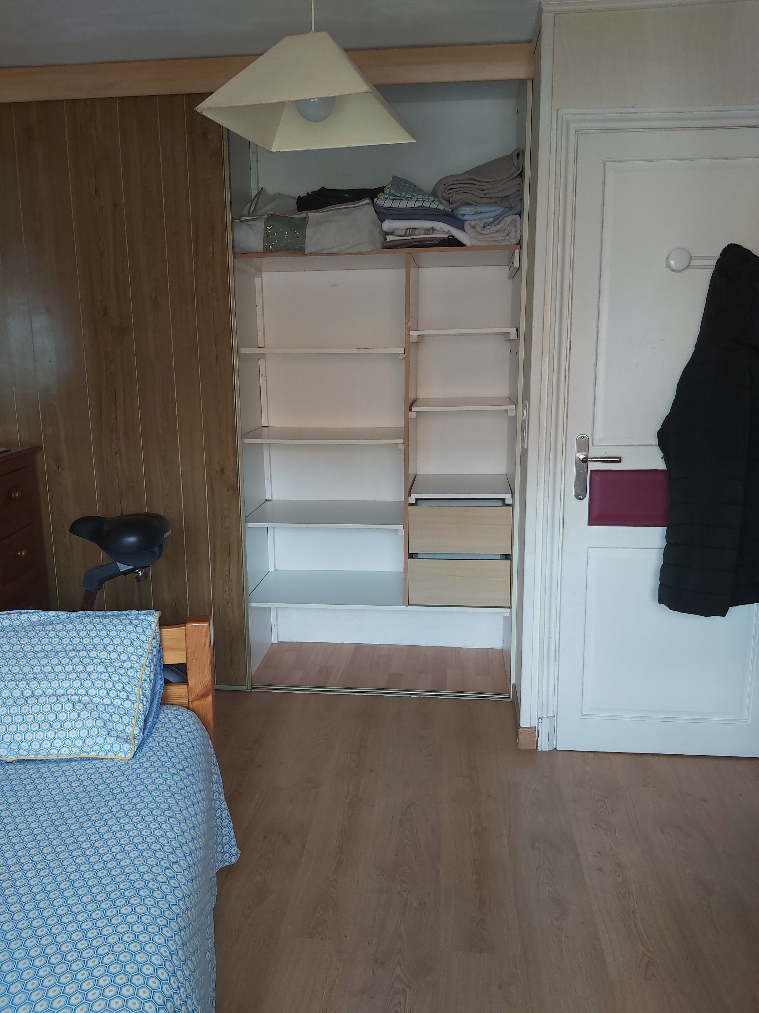 Chambre-Colocation   & Location Chambre à louer     Loue chambre meublée     Logement
