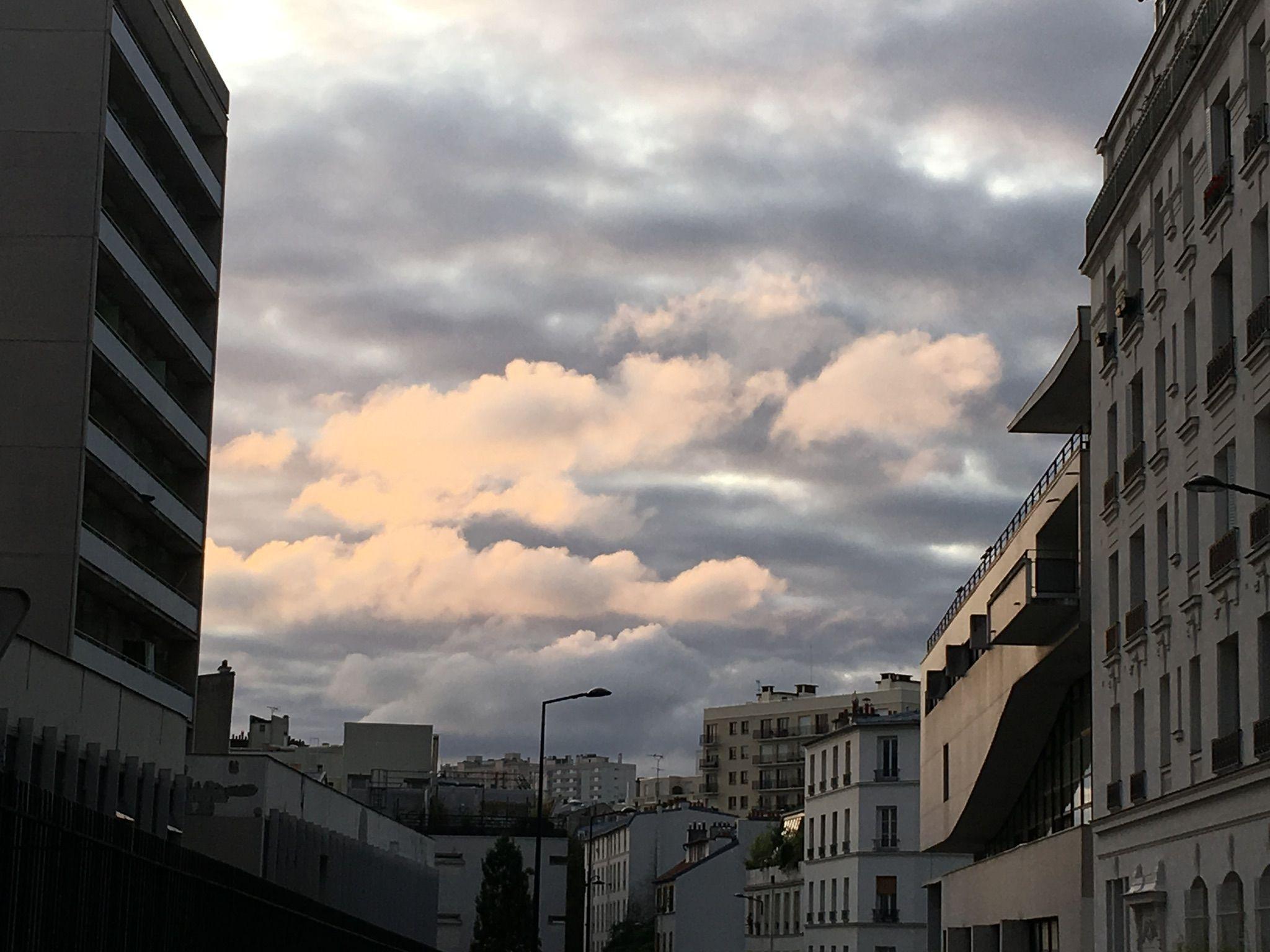Location-chambre-Paris-Il dort
