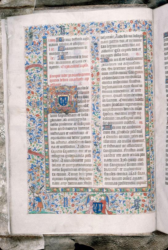Bible (partie de) - Page décorée, avec armes et devise de Nicolas Rolin_0