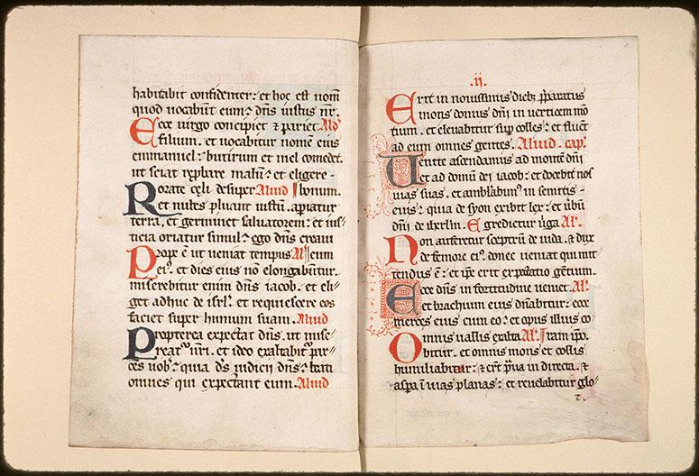 Collectaire à l'usage de l'abbaye Saint-Pierre de Corbie - Initiales filigranées_0