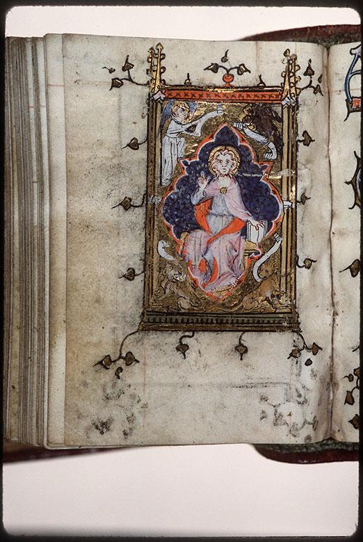 Heures à l'usage d'Amiens - Christ en majesté entouré du Tétramorphe_0