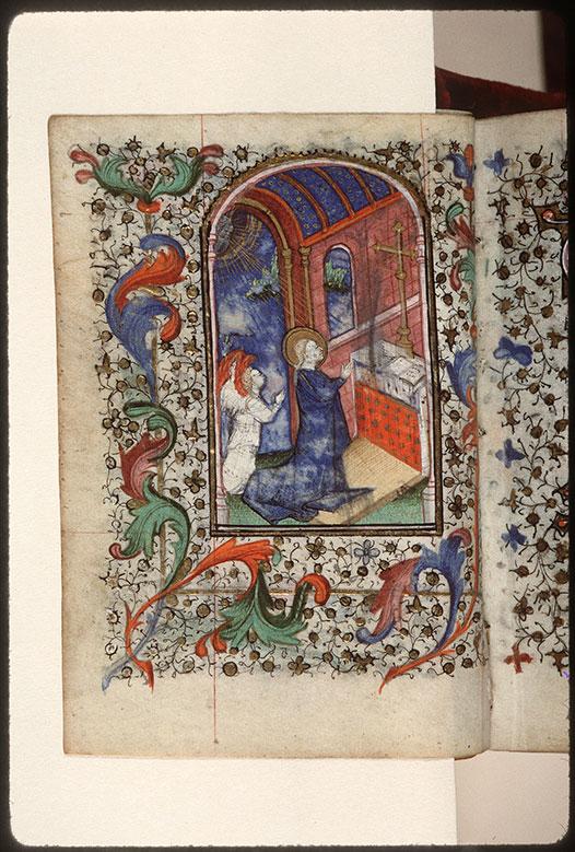 Heures à l'usage de Troyes - Vierge priant dans le Temple_0