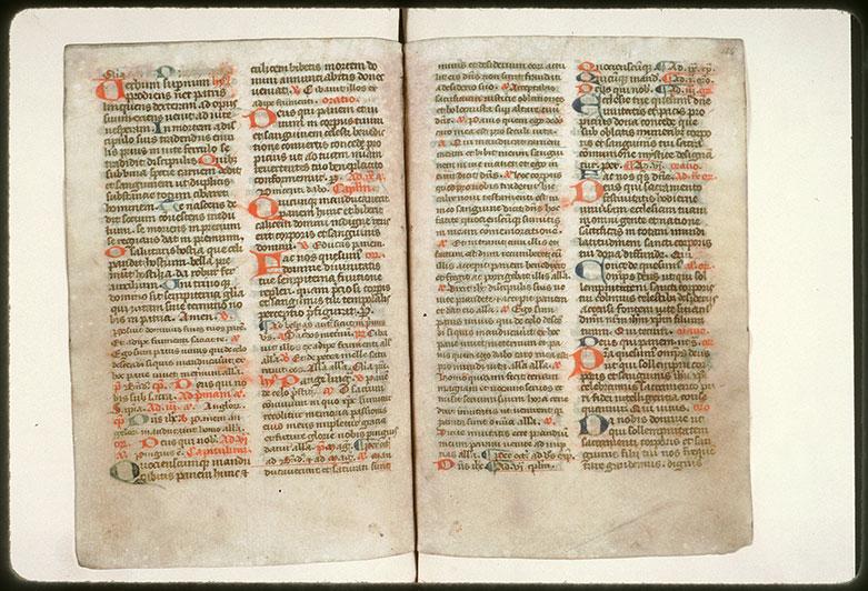 Bréviaire à l'usage de l'abbaye de Saint-Fuscien-aux-Bois - Initiales de couleur_0