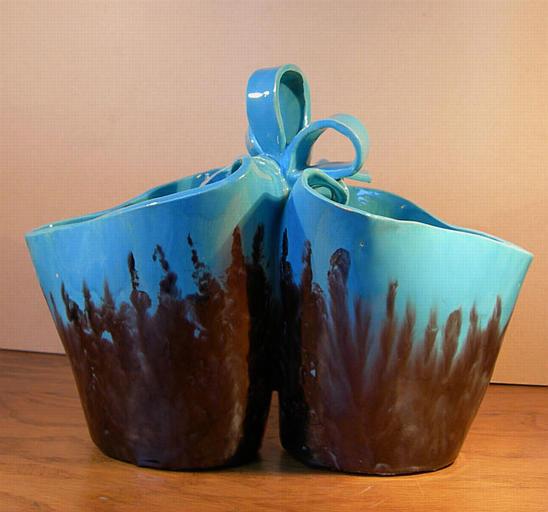 Vase double au noeud [titre attribué]_0