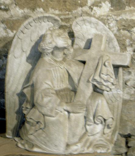 Ange en prière portant la croix [titre attribué]