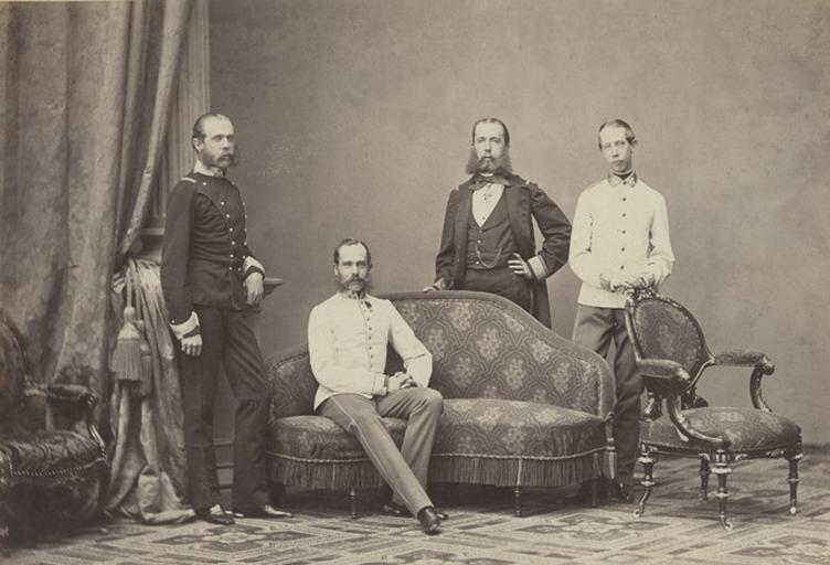 L'empereur François Joseph Ier (1830-1916), l'archiduc Charles-Louis, l'archiduc Louis-Victor, l'archiduc Maximilien (1832-1867), depuis empereur du Mexique (1864-1867)_0