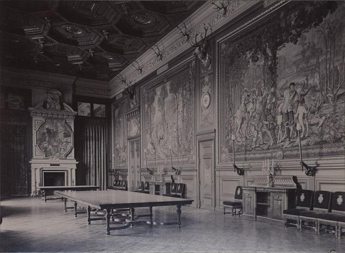 Le château de Chantilly : La Galerie des Cerfs_0