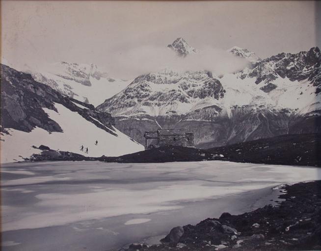Vue Suisse. Lac noir à Zermat et le Gabelhorn_0