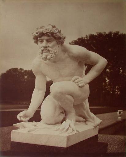 Chantilly : la statue de Pluton par Chapu sur le parterre nord. 1885. 79_0