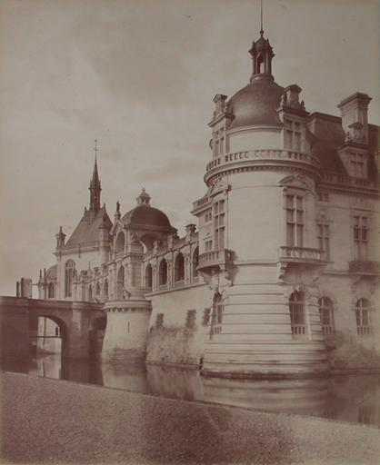 Chantilly : la tour du Connétable et la Galerie de la chapelle. 1885. 81_0