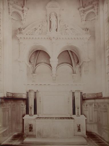 Chantilly : l'intérieur de la chapelle et l'autel. 1885. 36_0