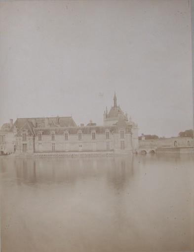 Chantilly : le petit château vus du jardin anglais. 1885