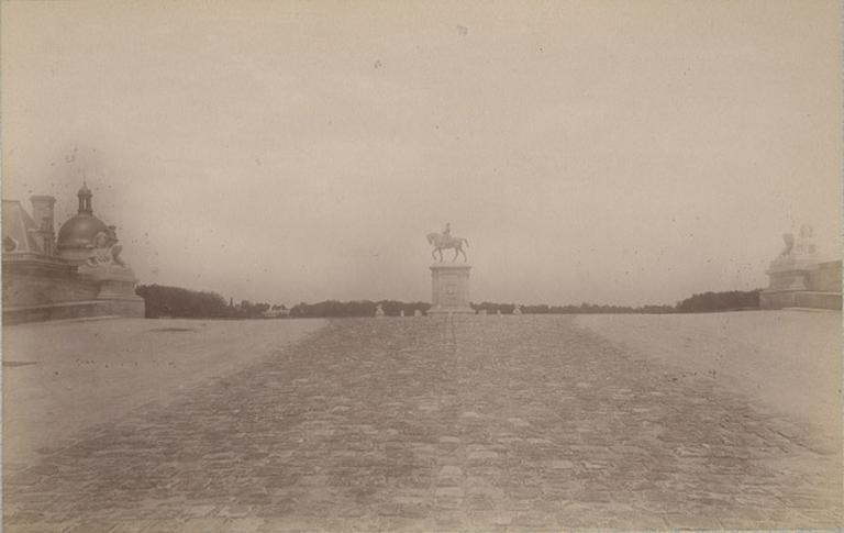 Chantilly : la statue du Connétable. 1885. 962_0