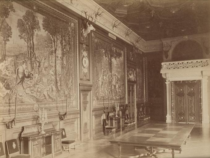 Chantilly, la galerie des Cerfs et la tribune_0