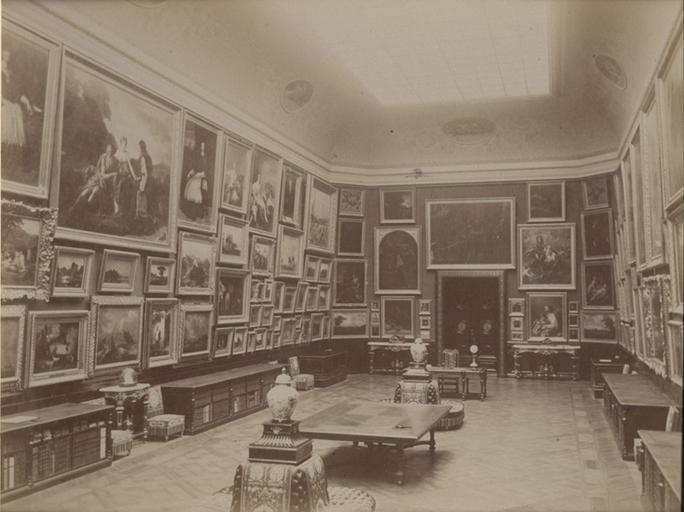 Chantilly, la galerie de peinture vue du côté de la galerie des Cerfs