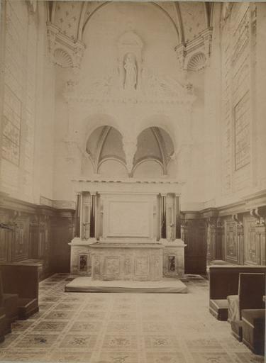 Chantilly, intérieur de la chapelle et autel_0