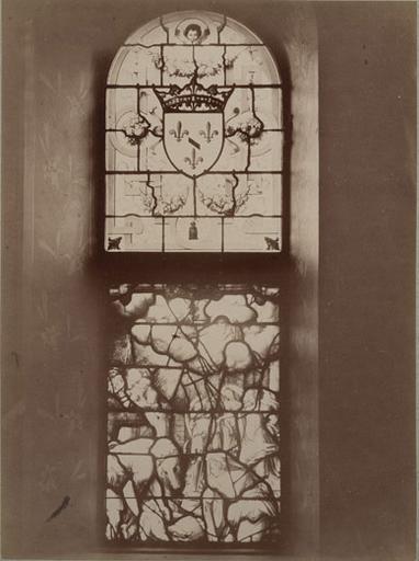 Chantilly, vitraux de la chapelle : la crèche et les armes de Condé