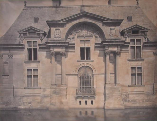 [Chantilly : le pavillon Jean Bullant]_0