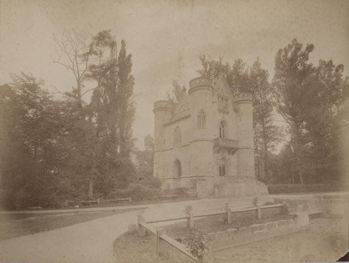 Commelle : le château de la Reine Blanche. 7