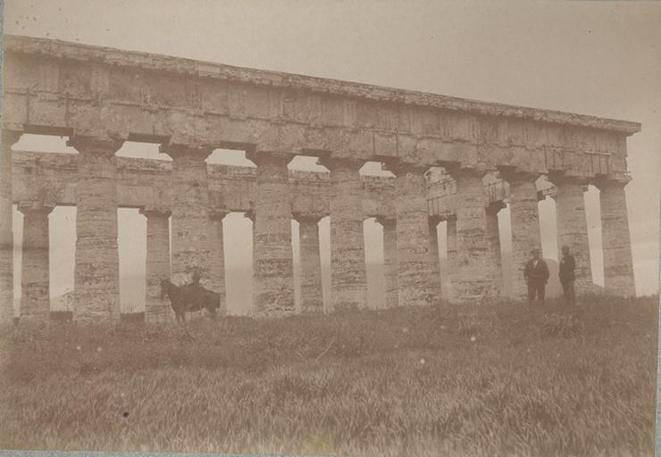 Ségeste (Sicile). 11 avril 1885. 259