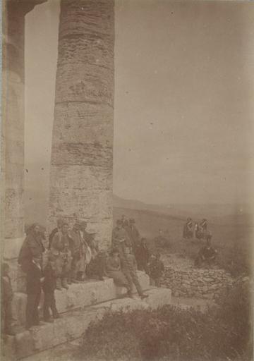 Solunto (Sicile) 15 avril 1885 : déjeuner dans les ruines_0