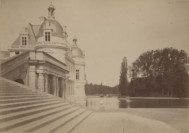 [Chantilly : le grand château vu du grand Degré]_0