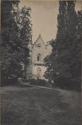 Château de la Reine Blanche. Forêt de Chantilly_0