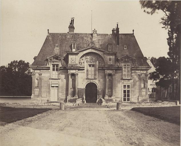 Le château : façade orientale_0