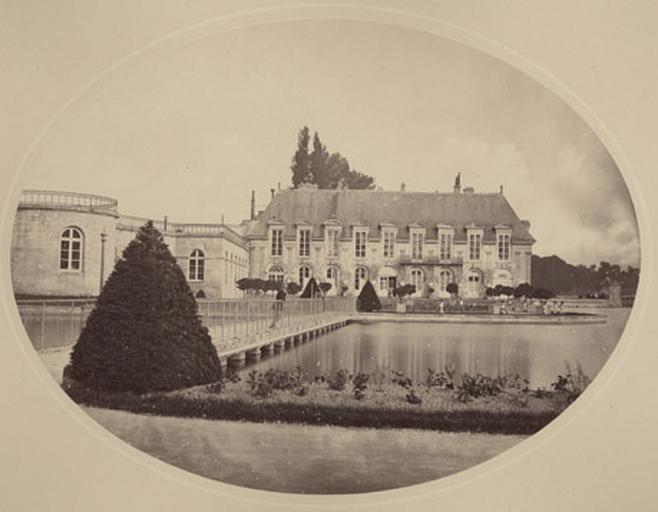 Château et pont de la Volière vus du jardin anglais_0