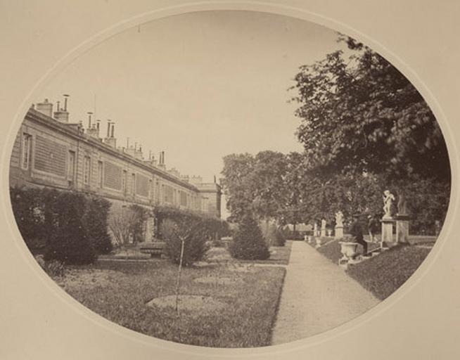 Pavillon d'Enghien et jardin_0