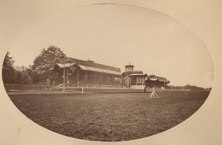Chantilly ; anciennes tribunes
