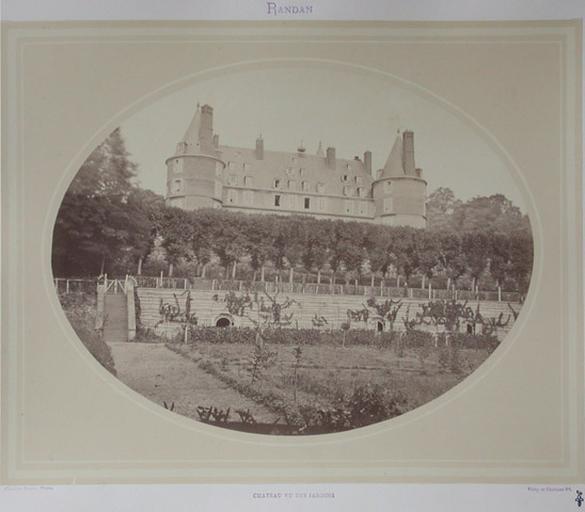 Randan. Château vu des jardins_0
