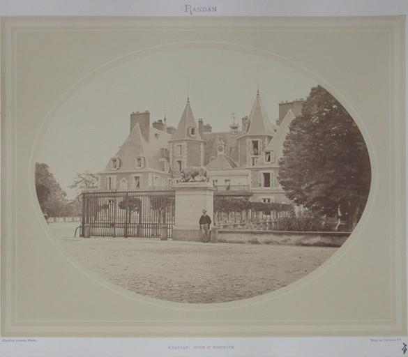 Randan. Château Cour d'honneur